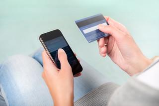 Usługi MasterCardu bez podatku od towarów i usług