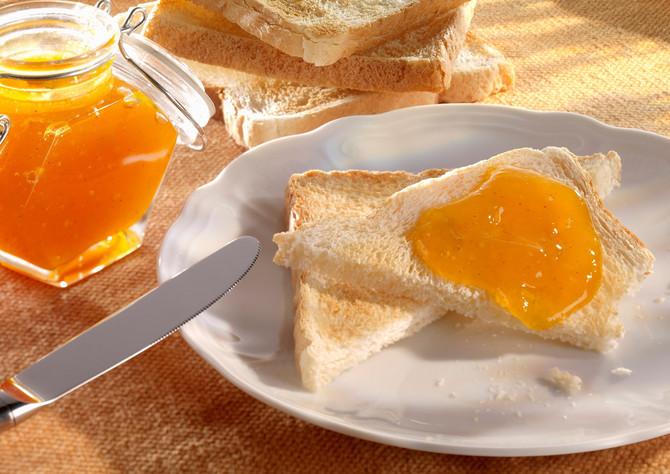 Tost i džem će telu pružiti neophodan šećer i ostale hranljive materije