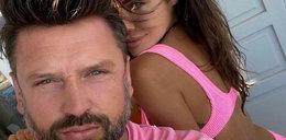 Mąż Siwiec klepie jej koleżankę po pupie. Co na to Natalia? Szok!