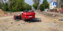 Tragiczny wypadek w Lublinie. Auto zatrzymało się na dachu