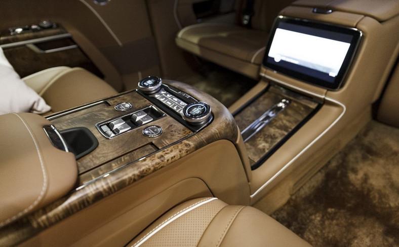 Pancerny Aurus Senat Limousine L700
