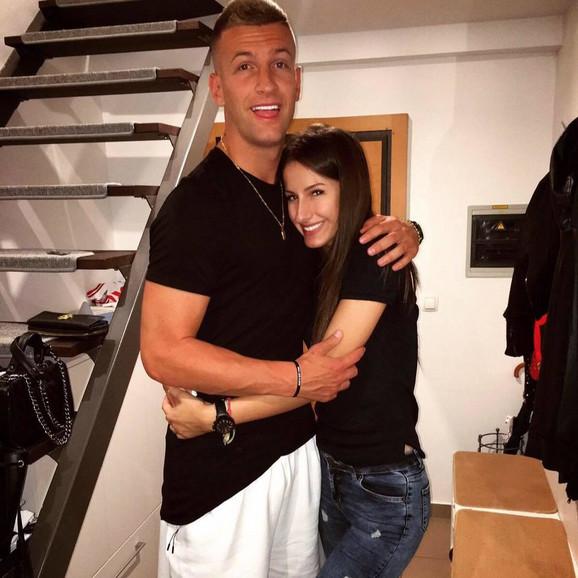 Alma Omić sa bratom Alenom