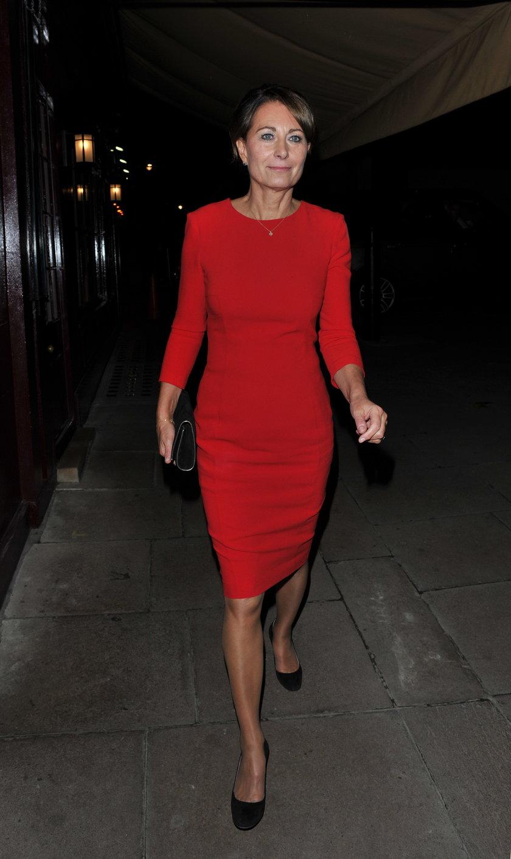 Carole Middleton w czerwonej sukience