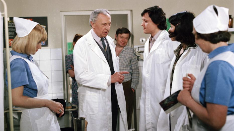 Sova doktornak és kollégáinak volt köszönhető, hogy beindultak a kórházi szappanoperák a televíziókban