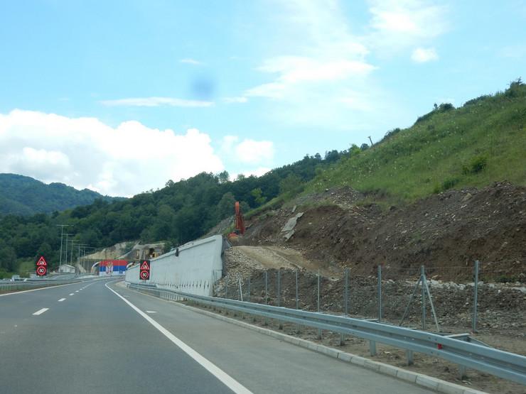 NOVE leskovac06_Autoput_ULaz u Tunel Predejane u blizini Kosine2_FOTO M Ivanovic