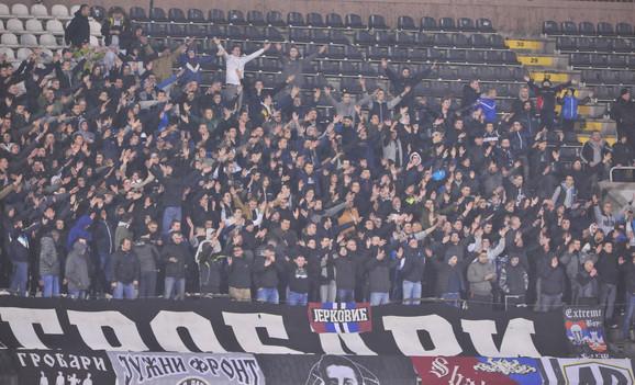 Navijači Partizana prozivali su čelnike kluba
