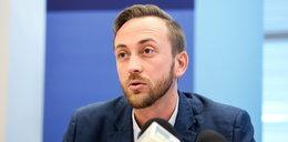 Krzysztof Izdebski: Politycy chronią własne plecy