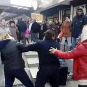 Napad, Vidikovačka pijaca, ulična prodavačica udarila komunalnu milicajku