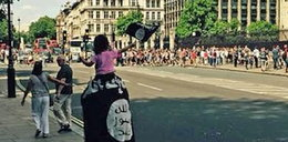 Paradował po Londynie z flagą terrorystów. Nic mu nie mogli zrobić