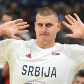 """""""PADALI STE U NESVEST, a ja ga dobro razumem!"""" Svi se pitaju da li će Nikola Jokić igrati kod novog selektora, a možda PRESUDI ovaj Karijev potez!"""