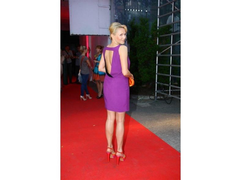 Anna Samusionek w mini na Fashion Designer Awards 2011