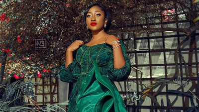 Anita Akuffo stole the spotlight in this emerald green wedding guest outfit