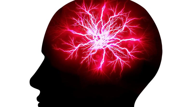 Można poprawić pracę mózgu i uchronić się przed demencją oraz alzheimerem. Sposoby są proste