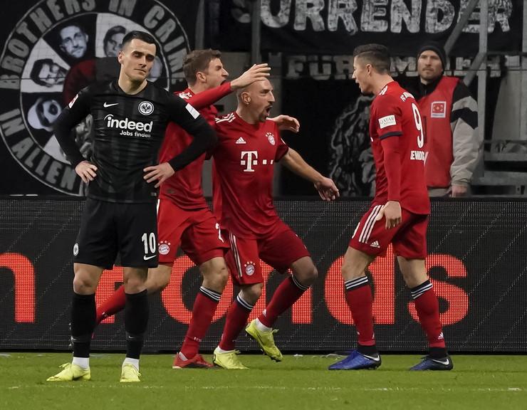 FK Ajntraht, FK Bajern Minhen