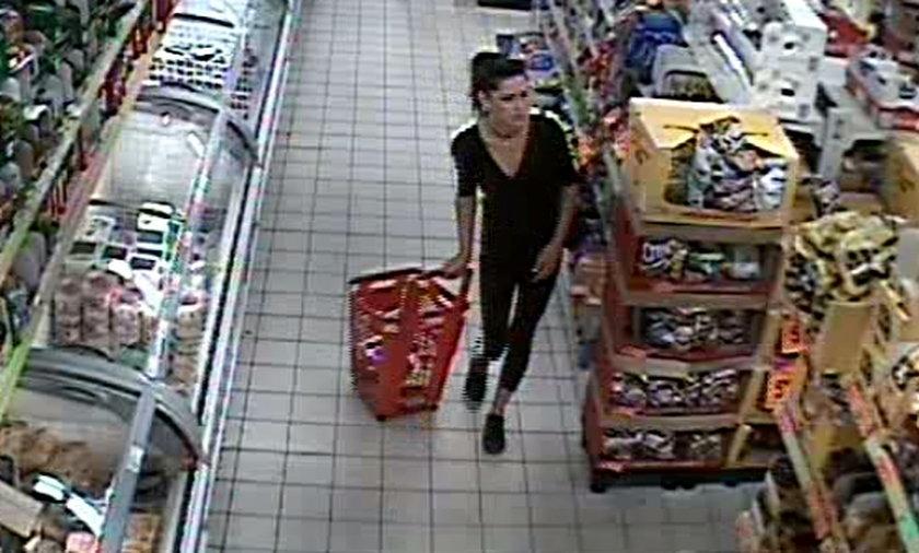 Zdjęcie z monitoringu w sklepie w Łodzi