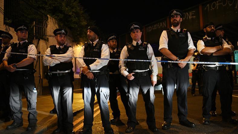 Brytyjska policja w miejscu zdarzenia