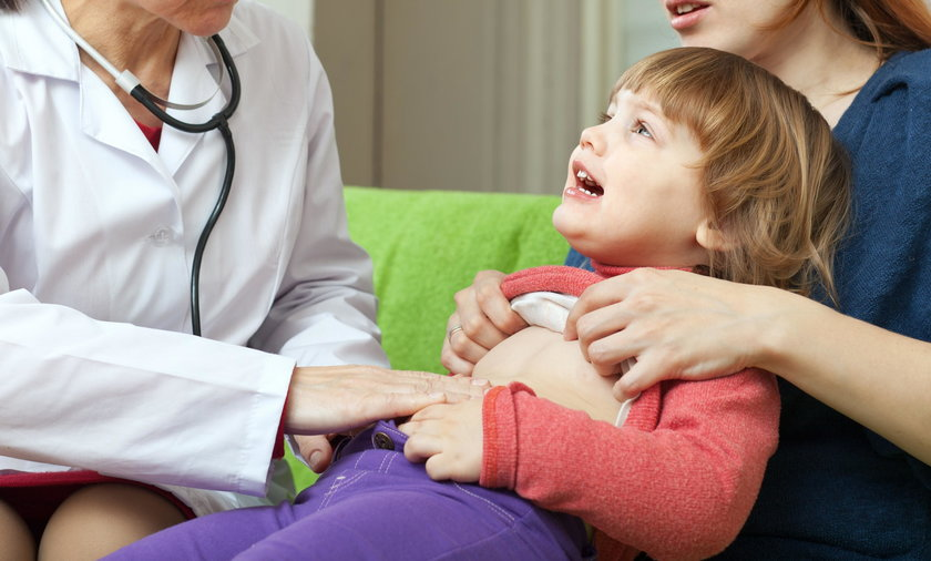 Ból brzucha u dziecka może oznaczać coś poważnego