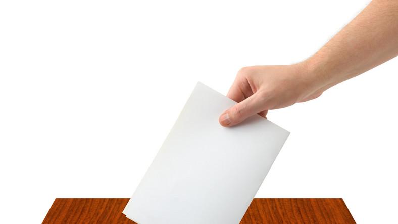 Mieszkańcy decydują o przyszłości prezydenta Włocławka Andrzeja Pałuckiego