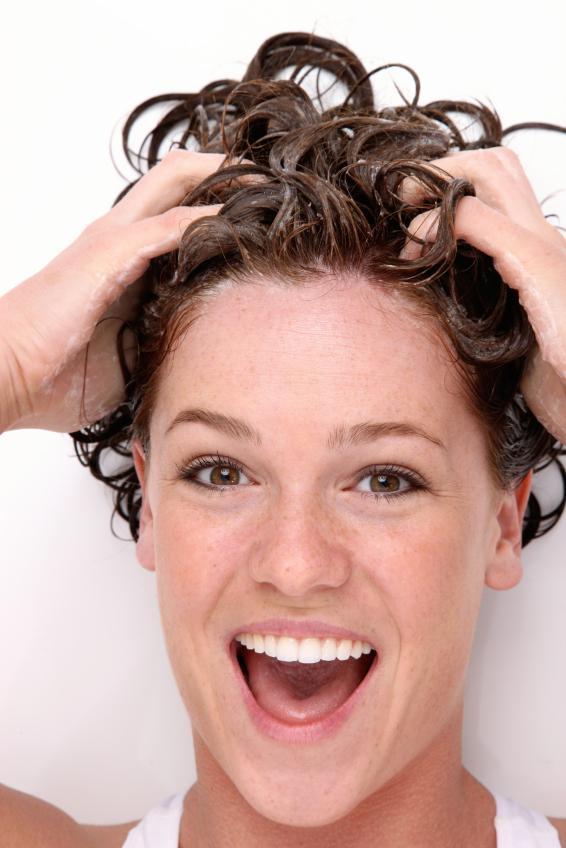 jak wzmocnić włosy po chemii
