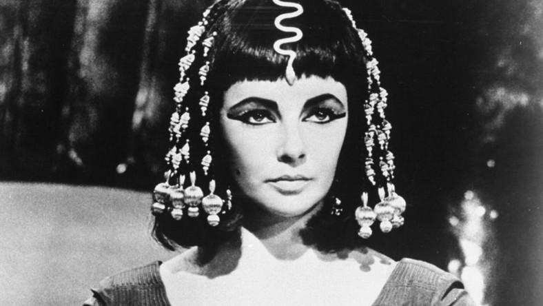 """Elizabeth Taylor w filmie """"Kleopatra"""""""