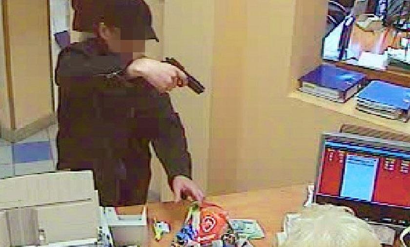 bankowiec napadał na banki