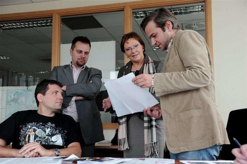 Wiemy, kto ubiera Kopacz! Minister gościła w Fakcie