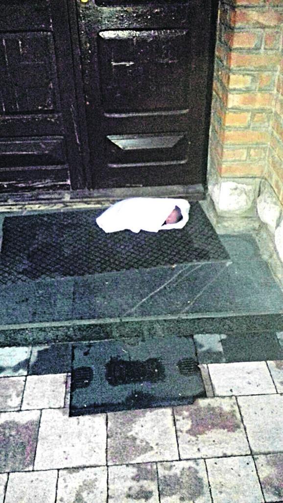 Ostavljena beba ispred crkve u Čajetini