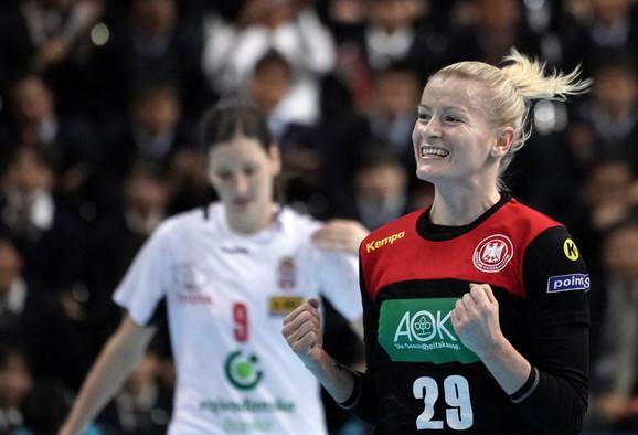 Antje Lojenrot proslavlja gol na meču Srbija - Nemačka