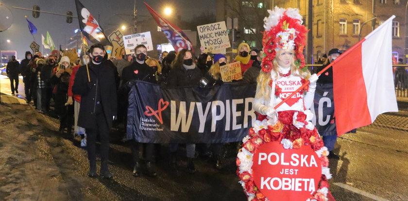 Strajk kobiet w Łodzi: Ugotujemy wam piekło