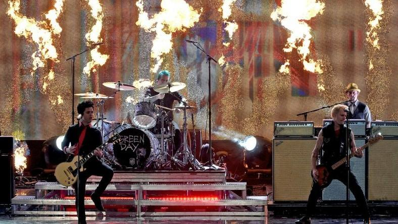 (L-R) Musicians Billie Joe Armstrong, Tre Cool and Mike Dirnt of Green Day perform onstage during the 2016 American Music Awards on November 20, 2016 in Los Angeles, California