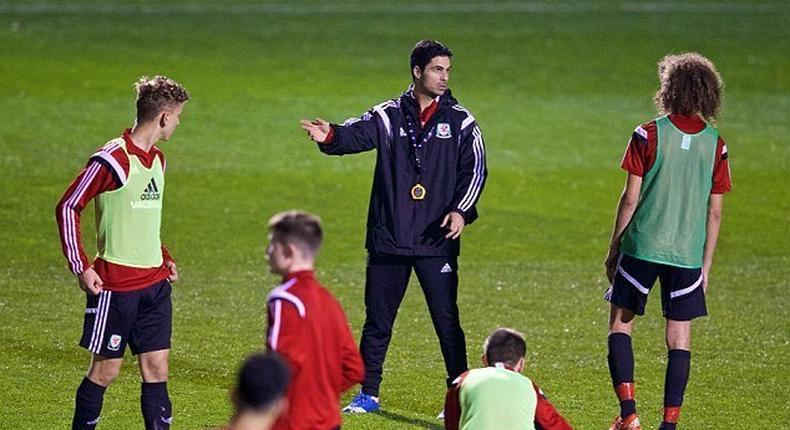 Mikel Arteta leads Wales Under-16 team