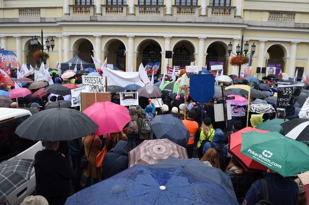Protest ZNP przeciwko reformie edukacji w Warszawie