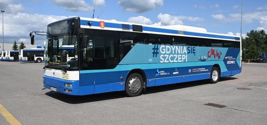 Awantura w Gdyni. Antyszczepionkowcy zaatakowali szczepionkobus