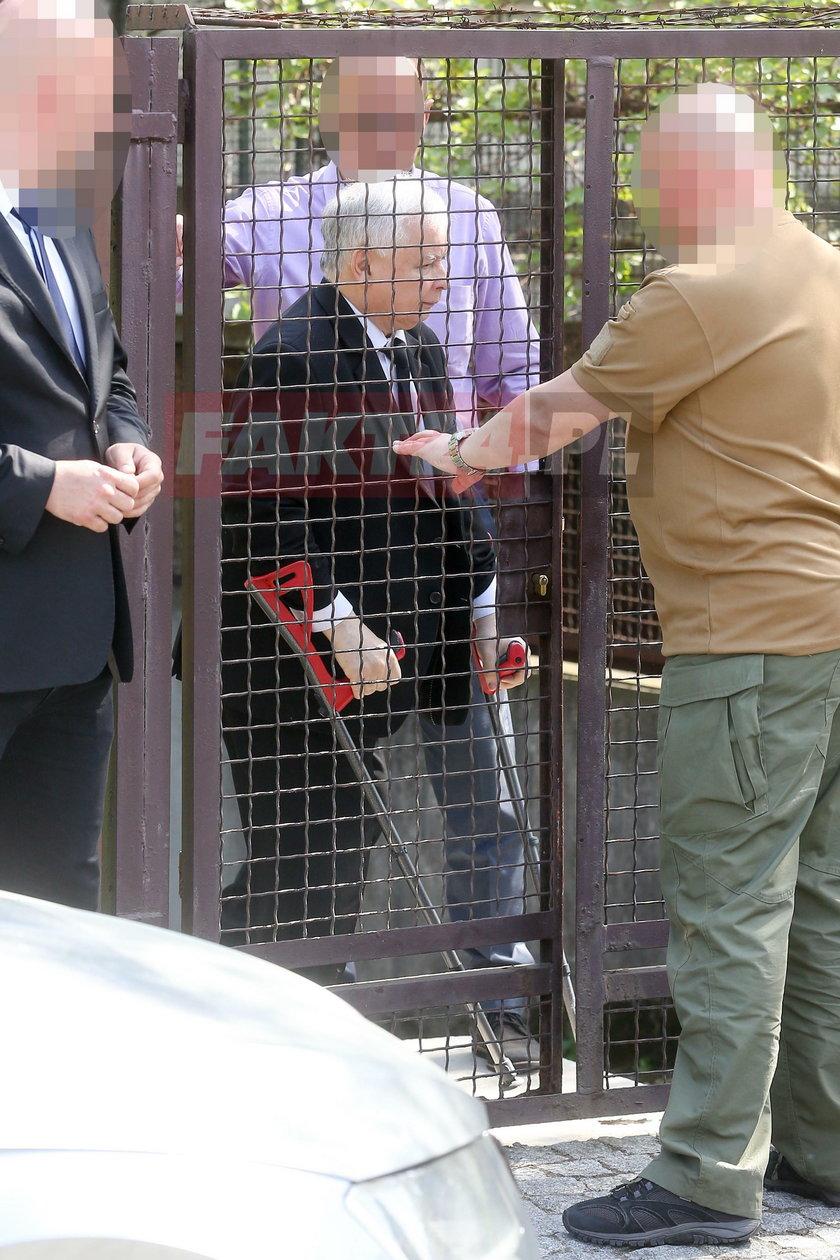 Jarosław Kaczyński o kulach