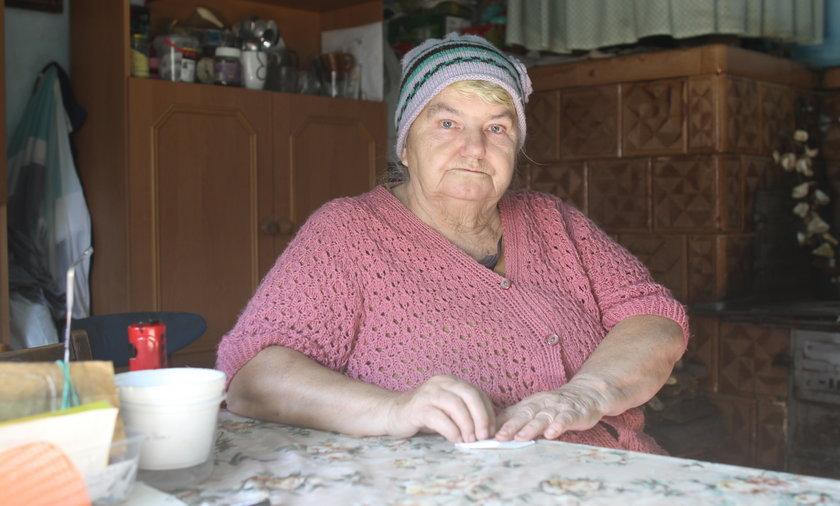 Maria Jarosz ucierpiała w powodzi i została w zrujnowanym domu.