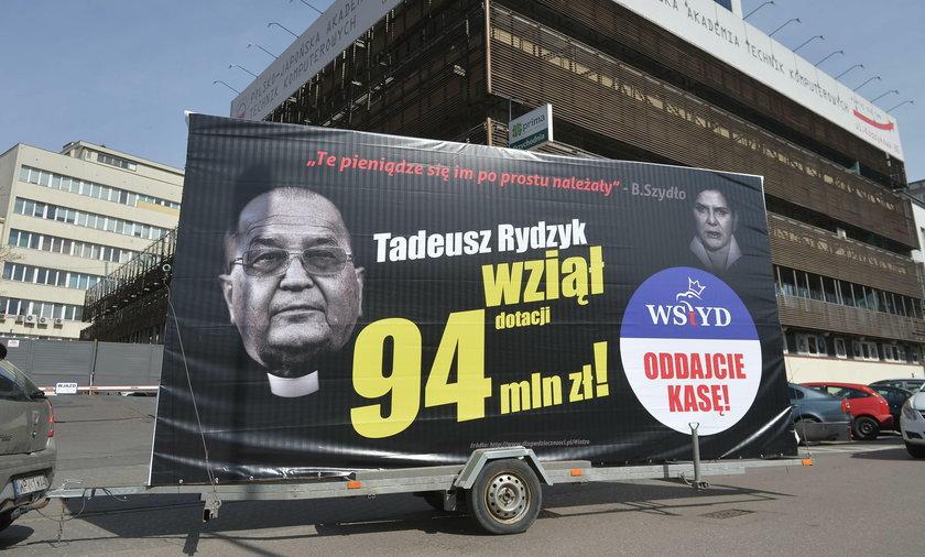 Rydzyk wziął 94 mln zł dotacji