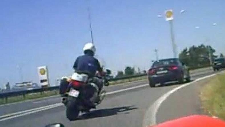 Policjant gnał 200 km/h. Wpadł przez kolegę