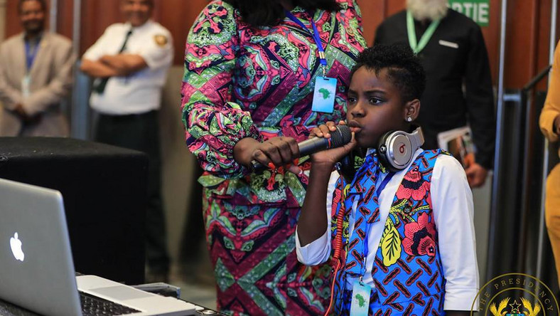 Meet DJ Switch, the young Ghanaian who thrilled African leaders at ...