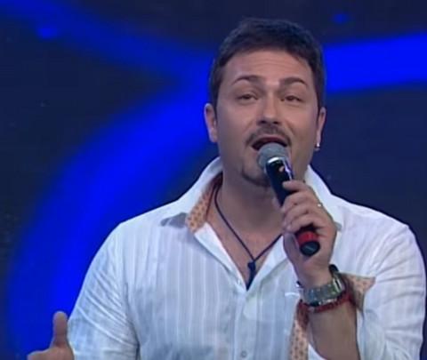 """Saša Popović ga je izbacio iz """"Granda"""": Evo kako danas živi popularni pevač!"""