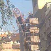 zgrada gradilište pada skela
