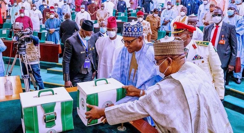 Buhari to present 2022 budget to NASS on Thursday. [twitter/@NigeriaGov]