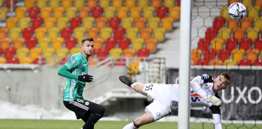 Piłkarze Legii strzelali gole bez Pekharta. Są niezależni od Czecha