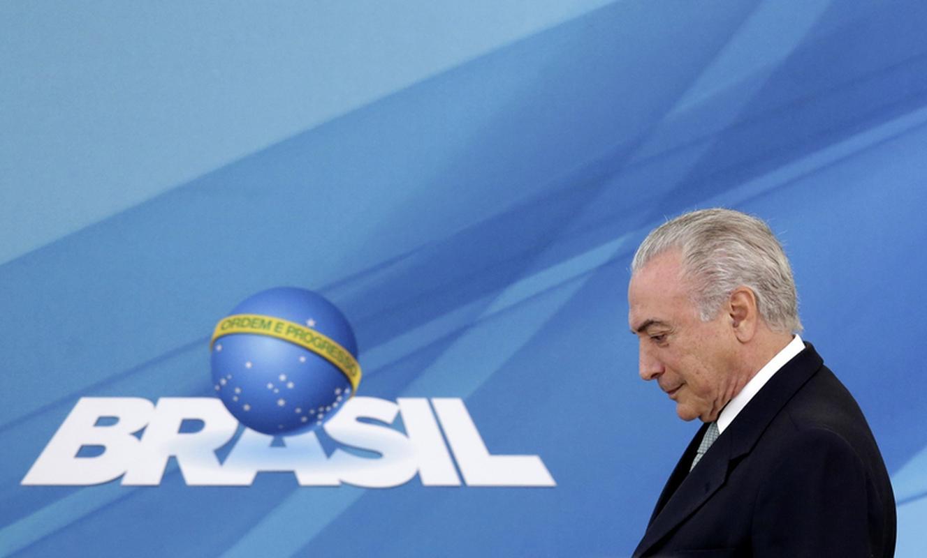 Michel Temer sprowadził na brazylijski rynek burzę gradową