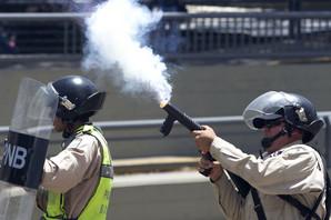 SPREČEN USTANAK GARDISTA Venecuelska vojska uhapsila grupu pobunjenika koji su OTELI DVA OFICIRA i ukrali oružje
