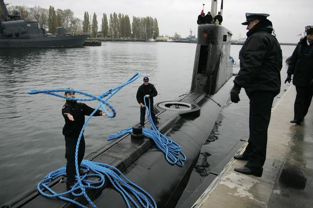 Kobbeny są uzbrojone w osiem wyrzutni torped 533 mm, a maksymalna głębokość, na jaką mogą się zanurzyć, to 200 metrów.
