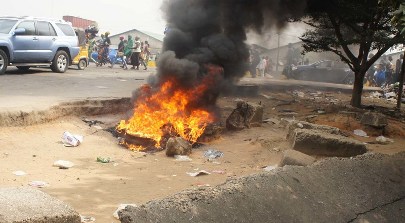 Mob burns bus conductor to death after he killed passenger over N100 'change'