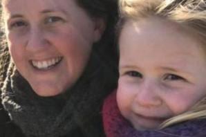 Majka i ćerkica (5) šetale obalom kada je naišao OGROMAN TALAS I ODNEO DETE