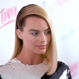 Margot Robbie tym razem nie popisała się. Co to za fryzura?