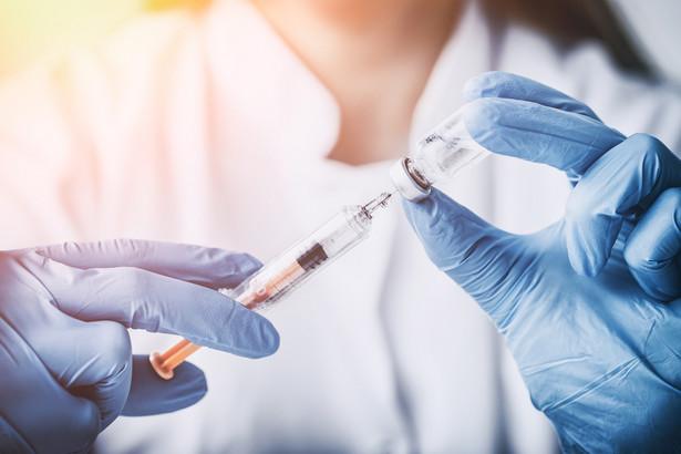 Wyniki kontroli zleconej przez Państwową Inspekcję Sanitarną potwierdziły, że z przechowywaniem szczepionek w wielu punktach nie jest najlepiej. Stąd zapowiedzi zmian.