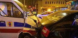 Wypadek karetki i czterech aut